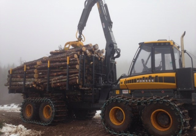 A photo of the a logging forwarder L.G. MacGillivary & Sons Lumber financed with CWB National Leasing